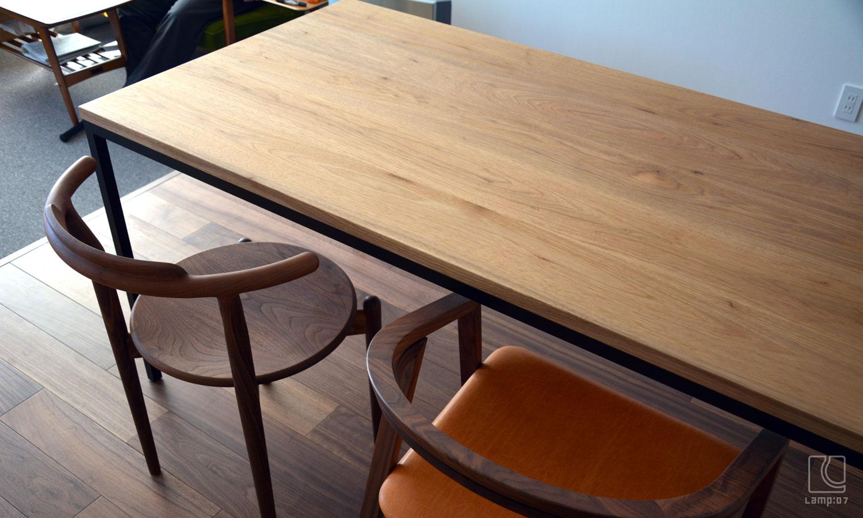オーダーテーブル/アイアン脚+クルミ無垢材、Luna+UUchair/宮崎椅子