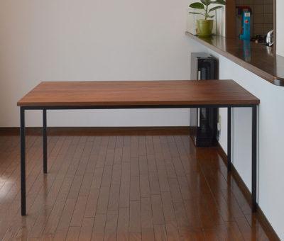 アイアン脚オーダーテーブル/ウォールナット無垢材
