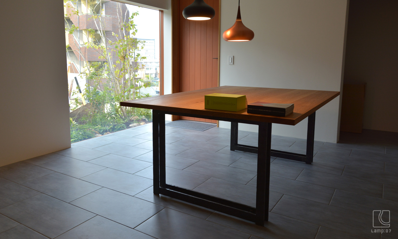 クルミ無垢材+アイアン鍛造加工/オーダーテーブル