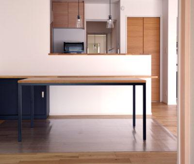 オーダーアイアン脚テーブル/ナラ無垢材